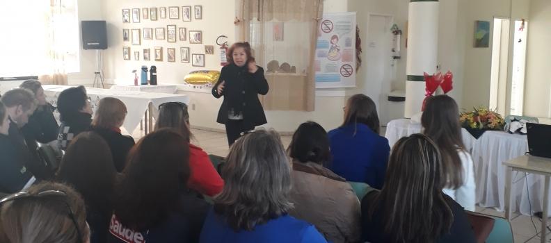 Equipe do Hospital Tramandaí participa de capacitação sobre Aleitamento Materno