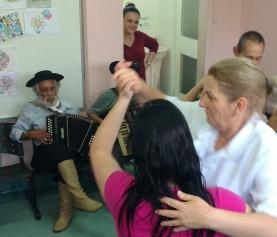 Baile da Unidade de Saúde Mental do HMGV encerra Setembro Amarelo