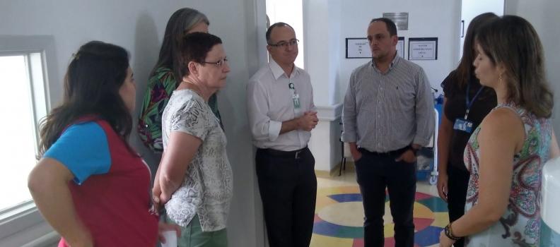 FHGV recebe representantes da Unisinos no Hospital Getúlio Vargas