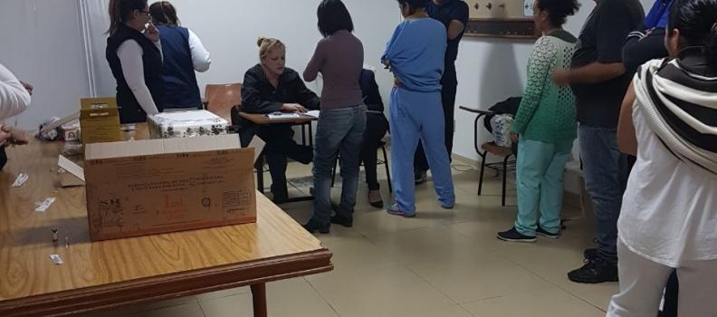 Funcionários do Hospital Tramandaí recebem vacina Tríplice Viral