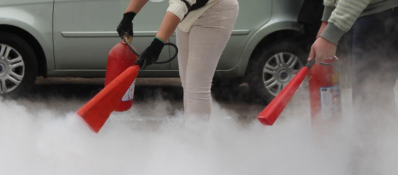 Clisam participa de capacitação sobre uso de extintores
