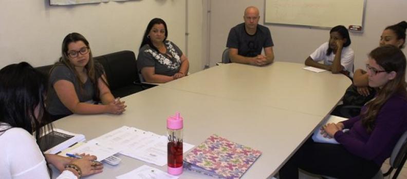 URPE recebe trabalhadores selecionados para bolsas de Incentivo à Educação