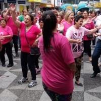 Fundação participa de atividades do Outubro Rosa no Calçadão de Sapucaia do Sul