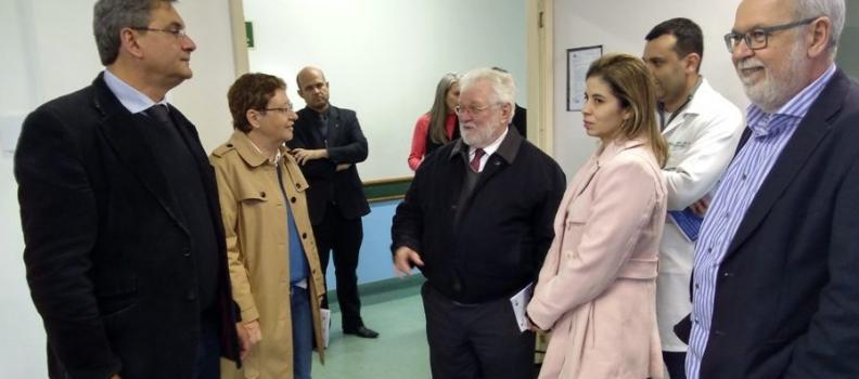 Reitor da Unisinos visita rede de saúde de Sapucaia